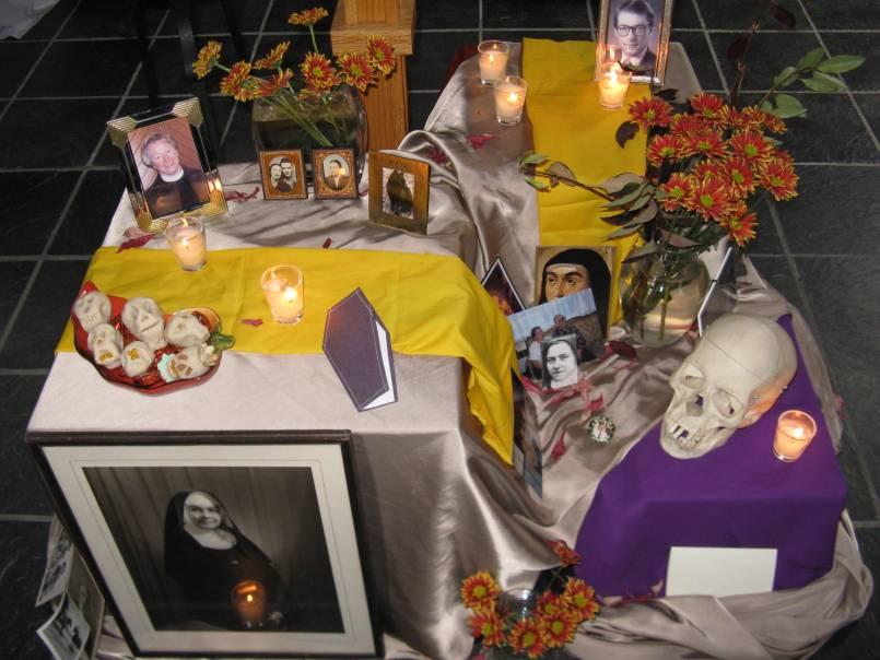 Dia de los Muertos altar 2008