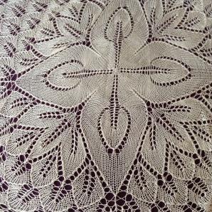 Lace shawl: Fiori Autunnali, by Romi Hill